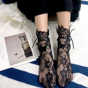 (Size 6-8.5) Lace Ankle Socks